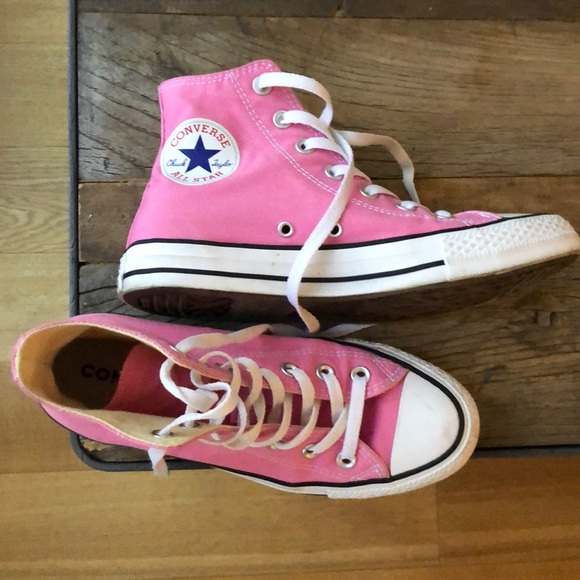 Pink Chuck Taylor 7.5W